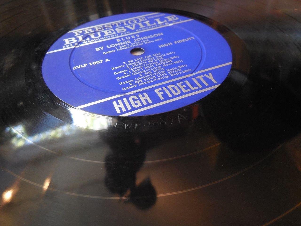LP: BLUES by LONNIE JOHNSON - 1960