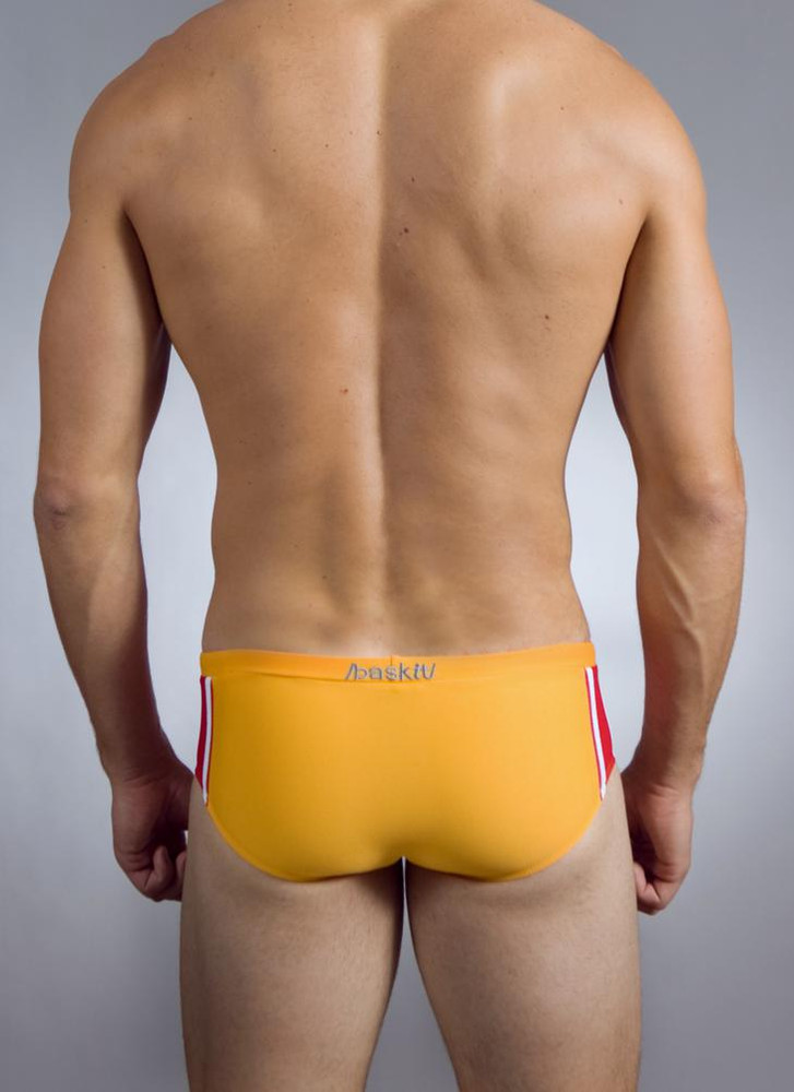 Our Lucky 11s are sure to keep you looking your best in the water with their classic color combinations and great fit.  Our Lucky 11s Rise Bikini offers a great fit for guys who want to be bold on the beach or by the pool. The bikini rises to the top of your hip area and frames out your seat to make sure that your assets are always looking their best. The Rise bikini comes with a built in suspension pouch in front to provide more support and greater comfort.