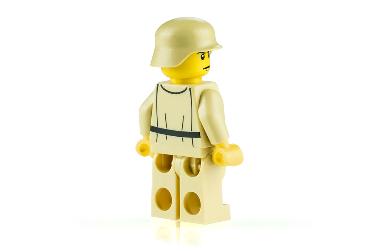 World War II German Heer Soldier (Tan)