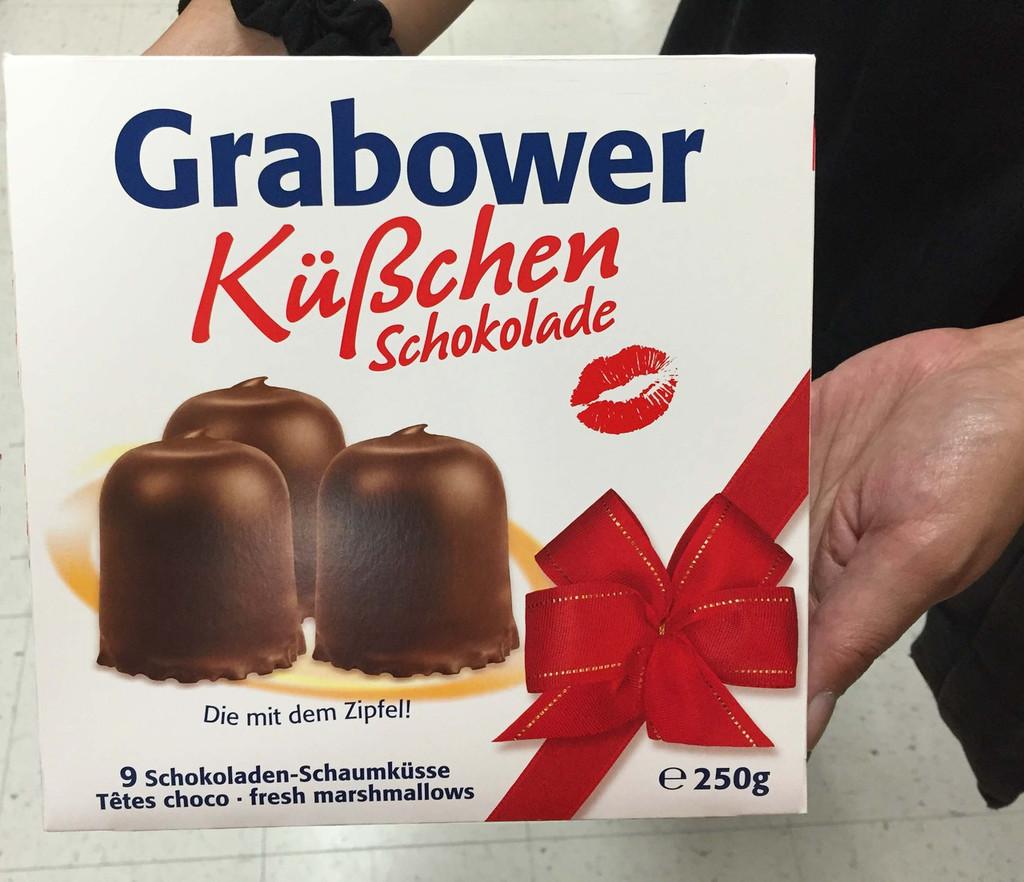 Topkuss Chocolate Marshmallow Kisses 9 pc. Large