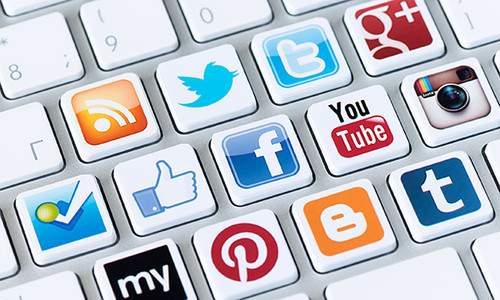 A Small Store Guide to Rocking Social Media: Facebook and Twitter