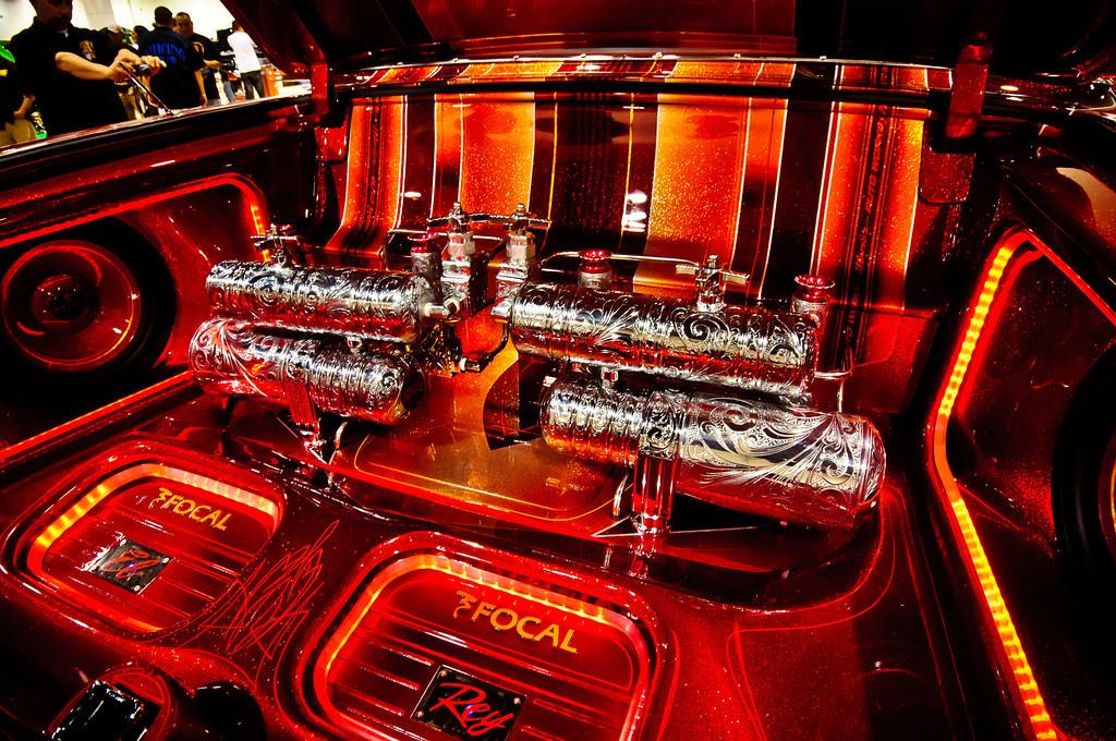 lowrider-super-show-2011-xlcarjlq2b.jpg