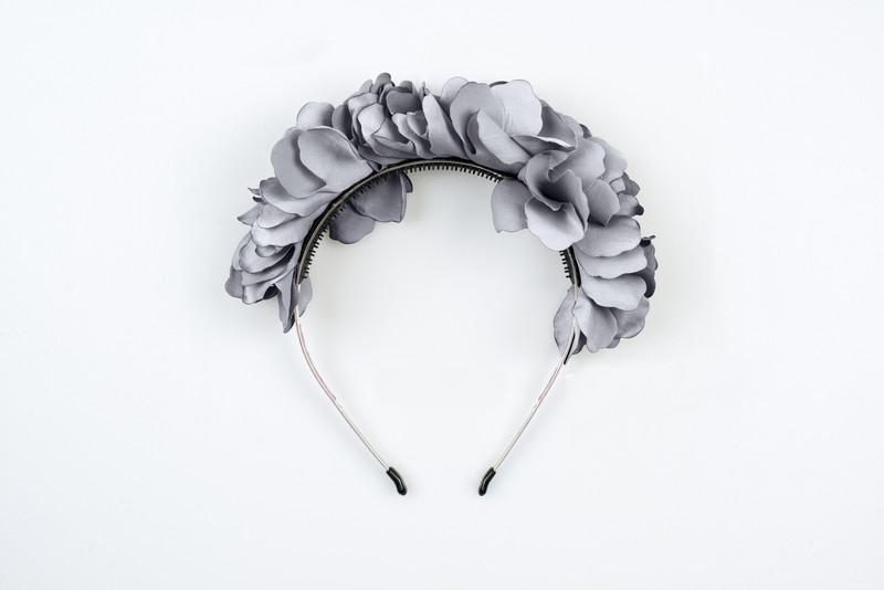 Flower Wreath Grey