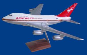 QANTAS B747-SP