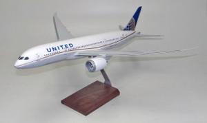 United B787-900