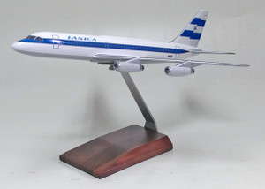 Lanica CV-880