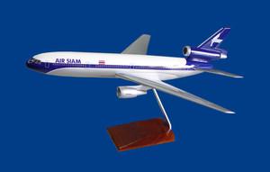 Air Siam DC-10