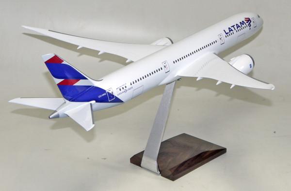 LATAM B787-800