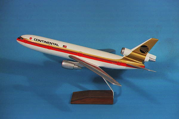 Continental DC-10