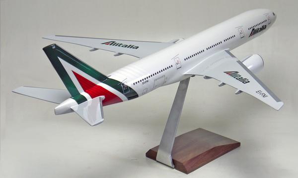 Alitalia B777-200