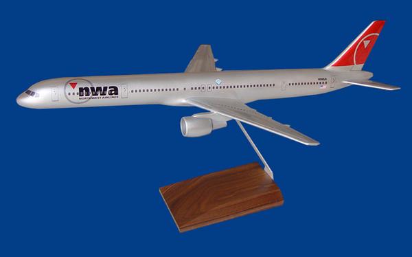 NWA B757-300