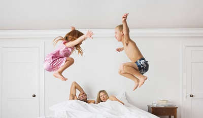 children-wake-up-early-small.jpg