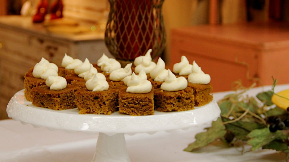 Favorite Holiday Recipes - Pumpkin Spice Bars
