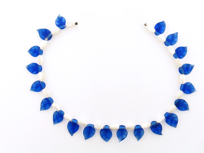 41 Count Two Size Mother Of Pearl Rice And Royal Blue Glass Leaves (Sale)