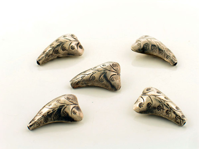 5 Count 25x15 Thai Silver Hollow Leaf Shape Beads (Sale)