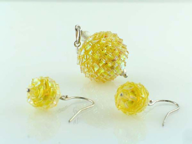 Yellow Pleated Dichroic Glass Round Pendant Earring Set (Closeout)