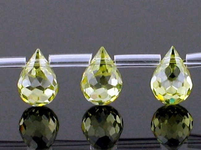 25 Count 7 X 5mm Peridot Cz Faceted Briolettes (Sale)