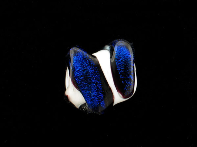 1 Count Apx 18x20mm White And Dark Blue Spiral Glass Squish Bead (Closeout)