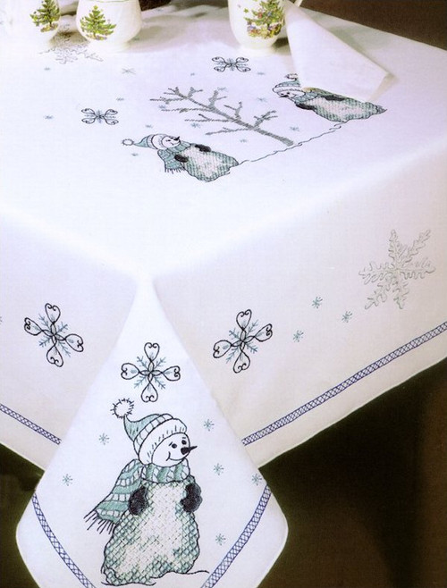 Design Works - Blue Snowman 58in Round Tablecloth