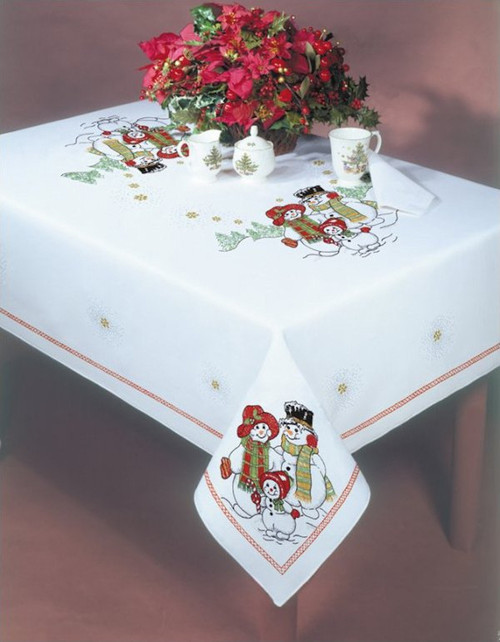 Design Works - Snowland 58in x 104in Tablecloth