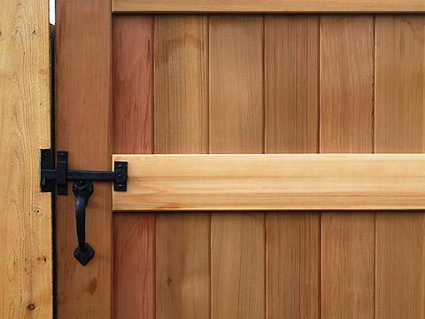coastal-bronze-gate-thumb-latch-two-sided-40-330-at-360-yardware.jpg