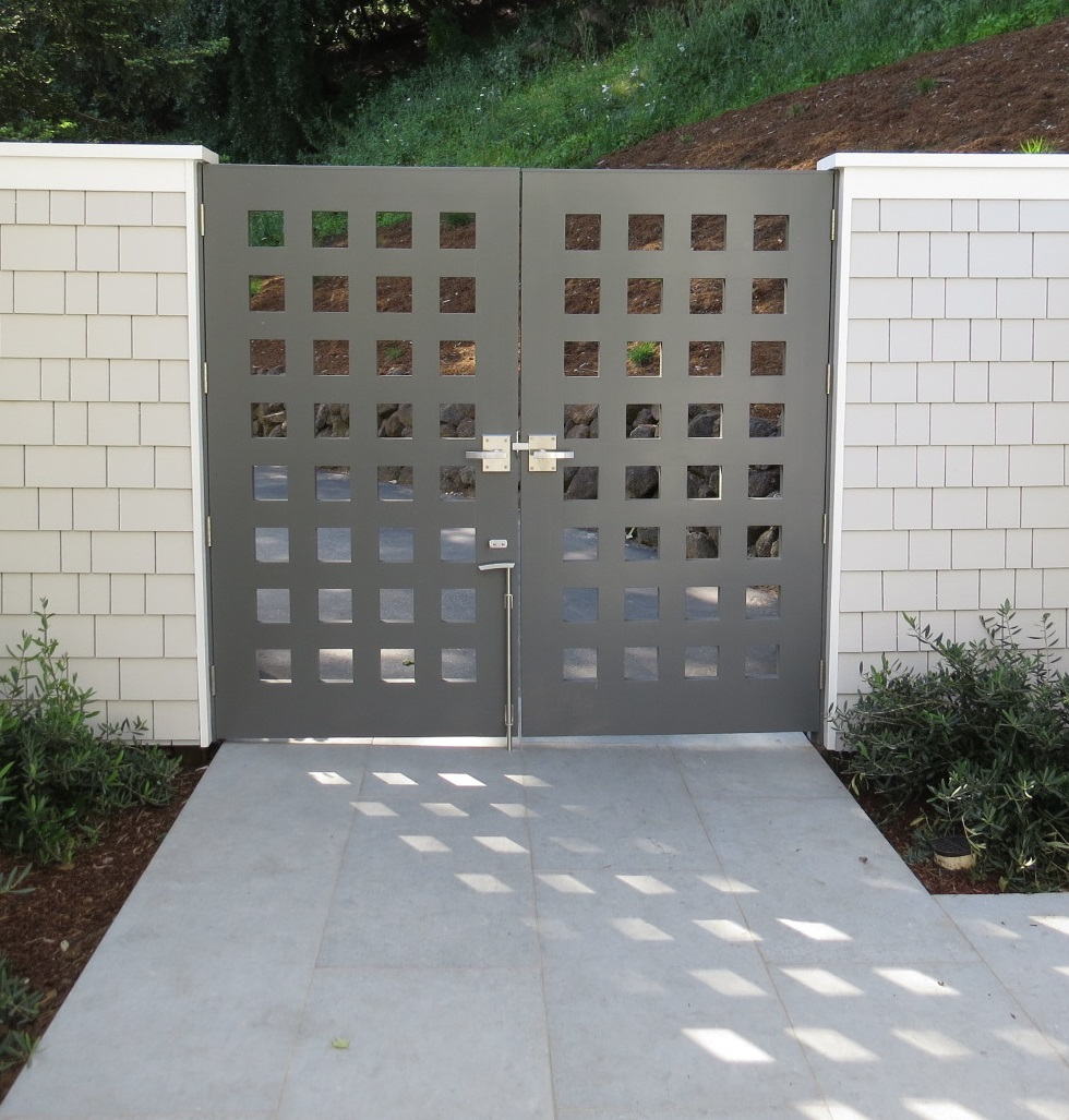 custom-double-gate-by-russell-fong-with-360-yardware-gate-hardware.jpg
