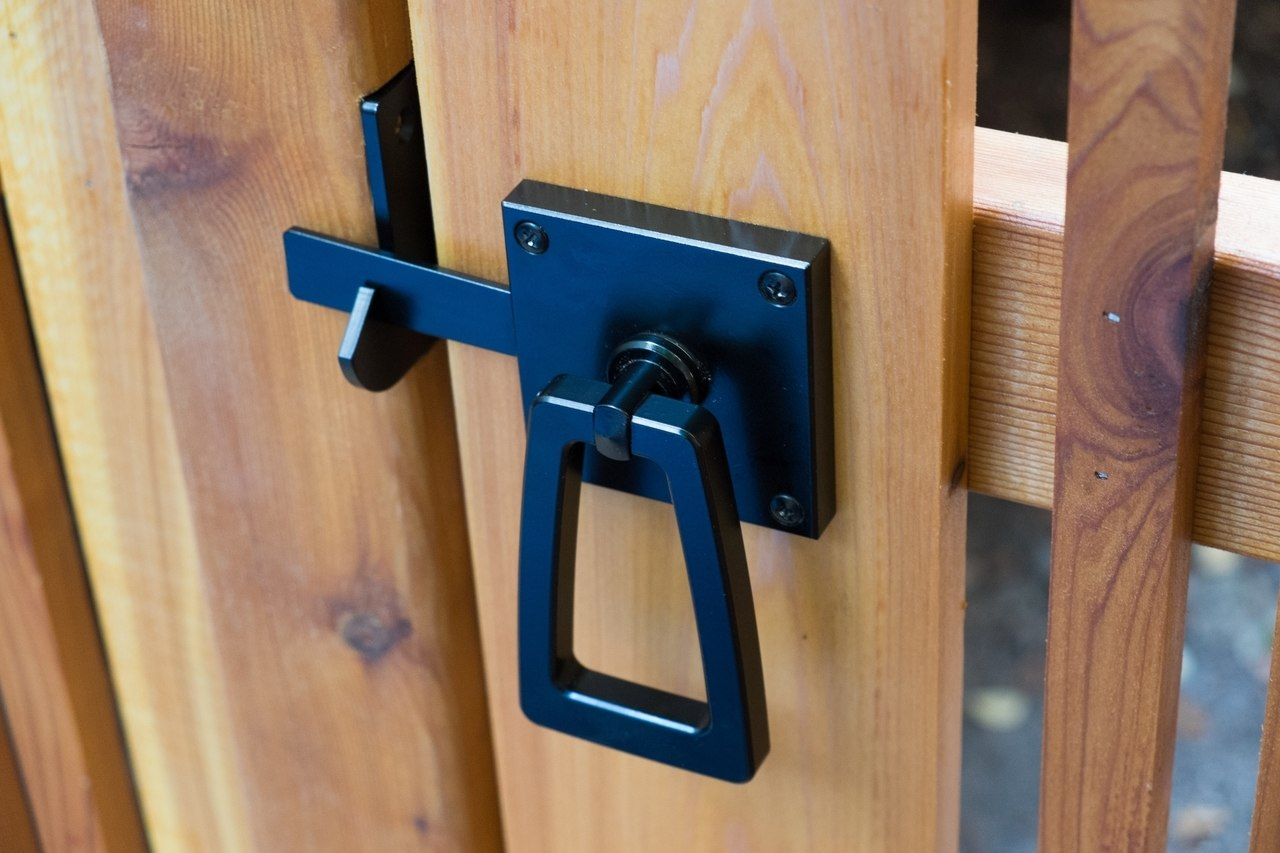 Modern Gate Hardware Package with Tapered Ring Installed angled