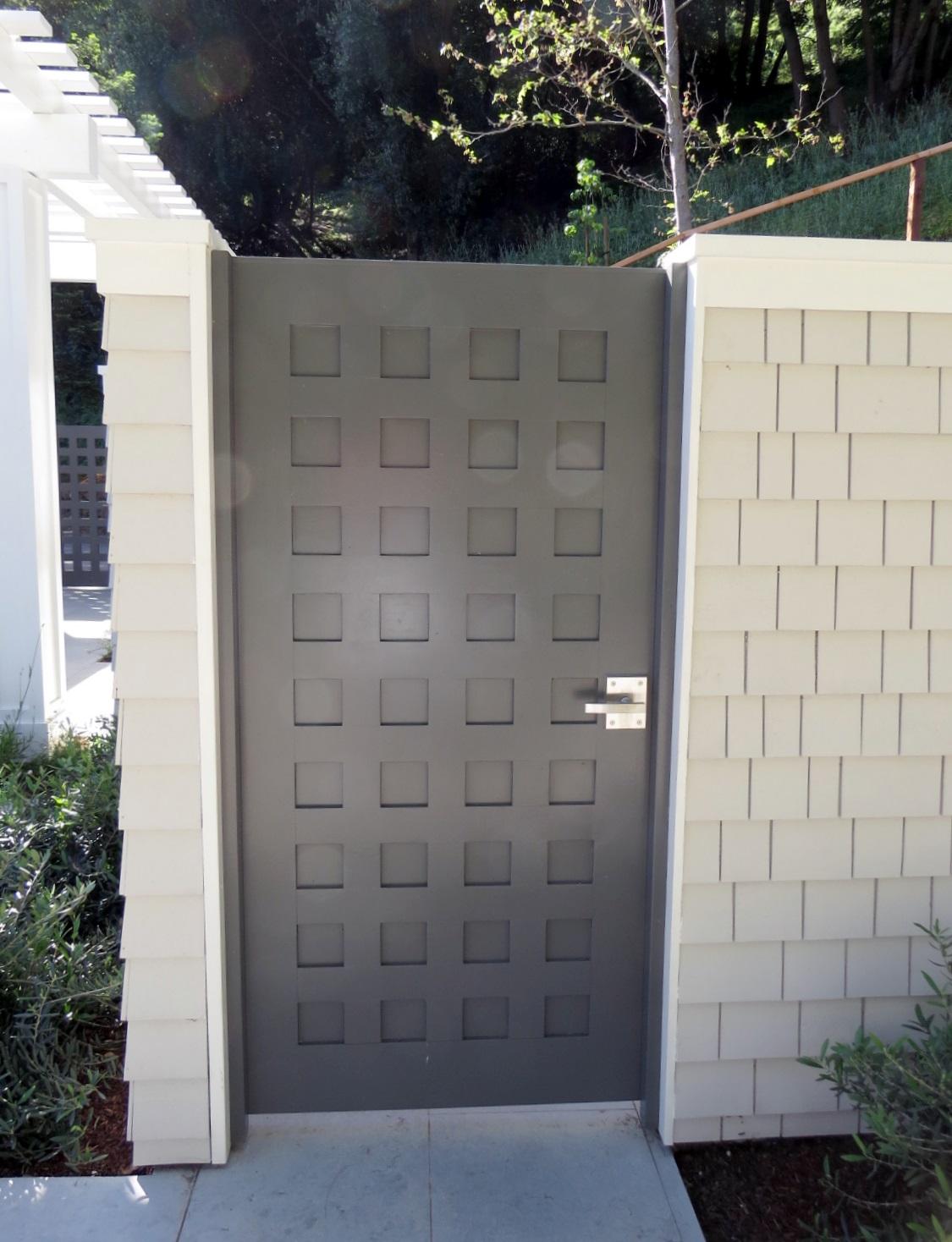 pool-dressing-door-latch-stainless-steel-alta-lever-latch-by-360-yardware.jpg