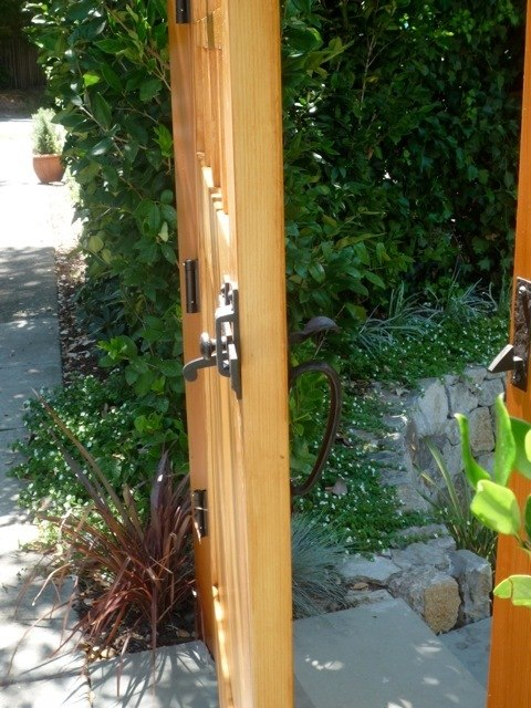 Side View Of  Wood Gate With Coastal Bronze Thumb Latch 40 300 Straight