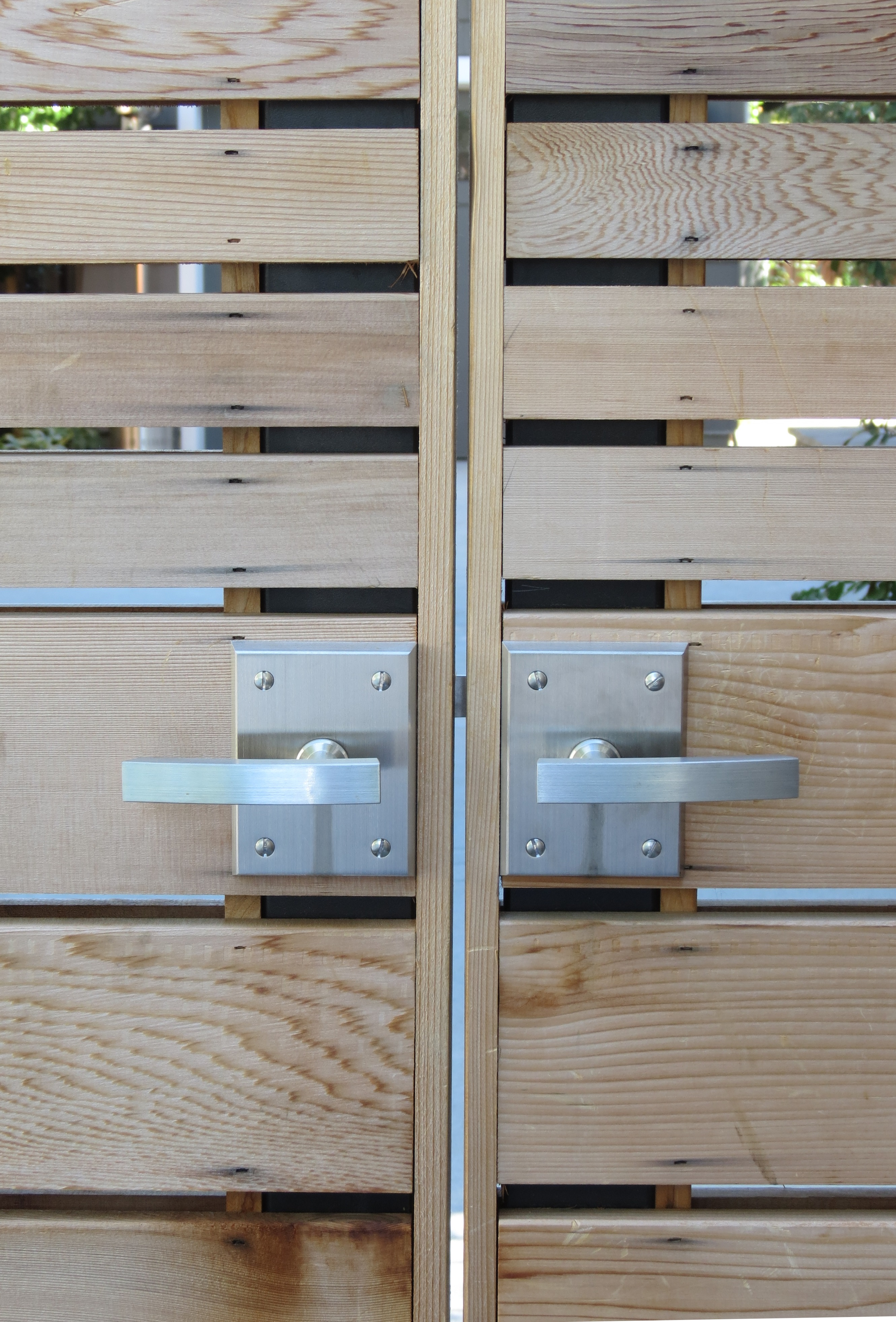 Alta Contemporary Gate Latch Double Gate Hardware Package