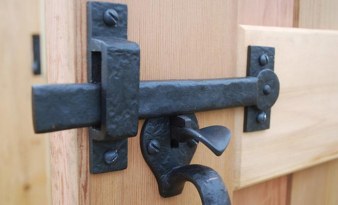 two-sided-thumb-latch-coastal-bronze-40-330-40-335-40-340-40-345-on-cedar-gate.jpg