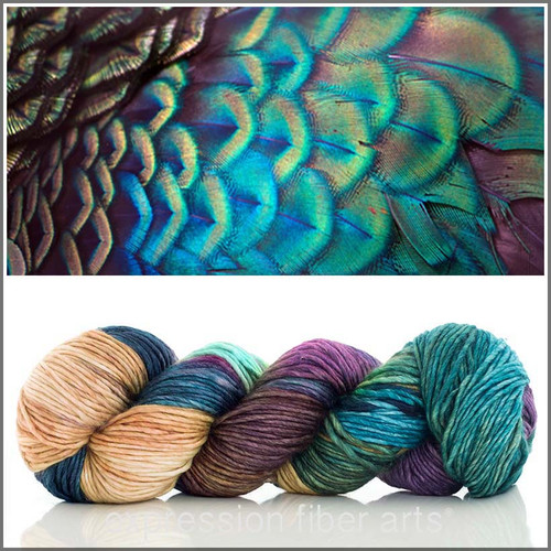 PLUSH PEACOCK 'PEARLESCENT' WORSTED