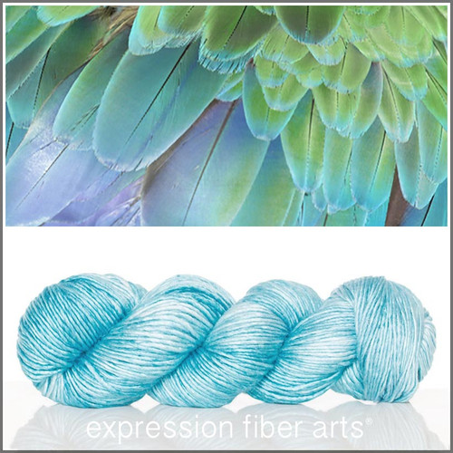 BLUE FEATHER TEXTURE 'PEARLESCENT' WORSTED