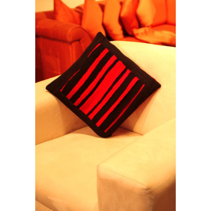 Unique handwoven Merino Wool Manta Pillow Case by Pablo Mamani (70-100-00466)