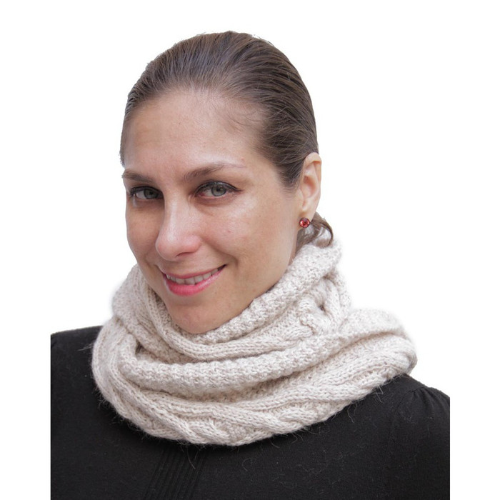 Superfine Natural Alpaca Wool Cable Hand Knitted Infinity Scarf