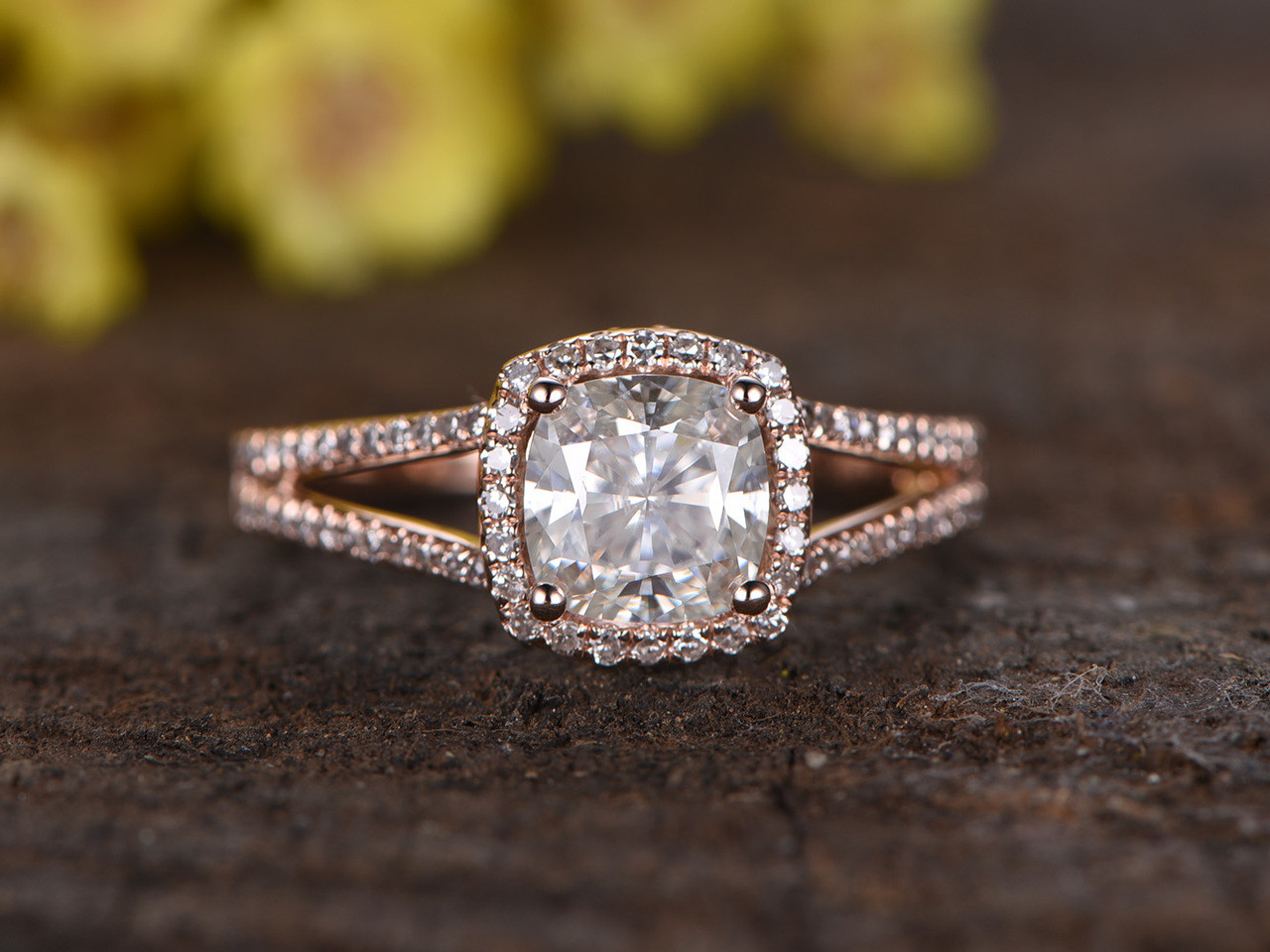 fb cusion stone metals barra engagement white options and size halo rosados promise moissanite available jewelers love cushion cut other gold box queen rings ring diamonds