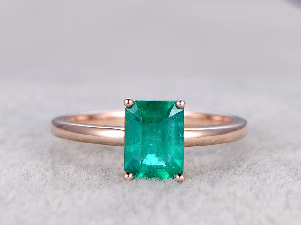 ring cut solitaire emerald diamond