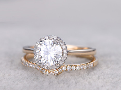 Curved moissanite wedding bands