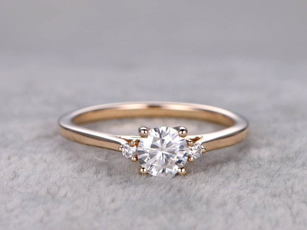 Moissanite Diamond Engagement Rings Yellow Gold 14k/18k 0.5 Carat 3 Stones Promise Ring