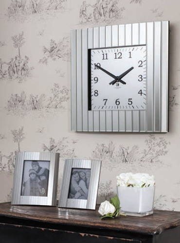 "Metropolis Wall Clock 20x20"""