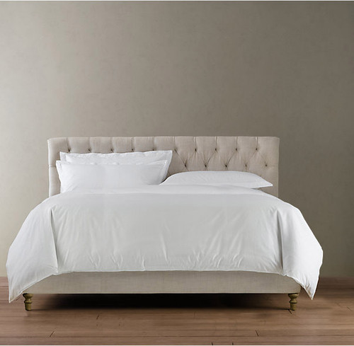 Marquis Tufted Queen Bed Set - front view