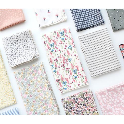 Warm breeze pattern cotton handkerchief