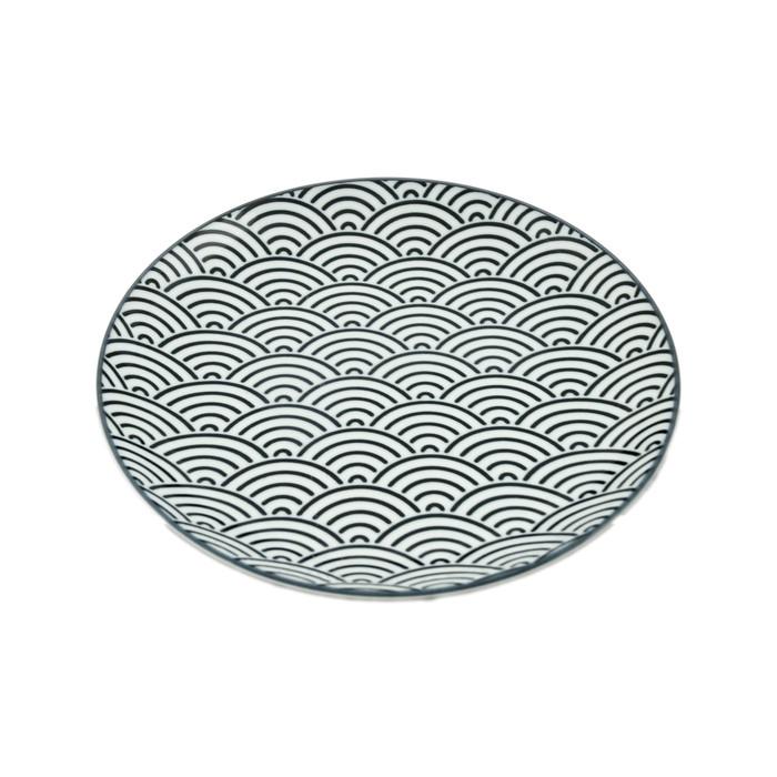 "Antico Wave Pattern Plate 8""D, Black/White"