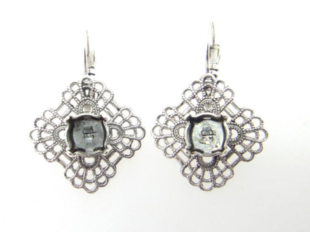 8.5mm Square Filigree Drop Earring