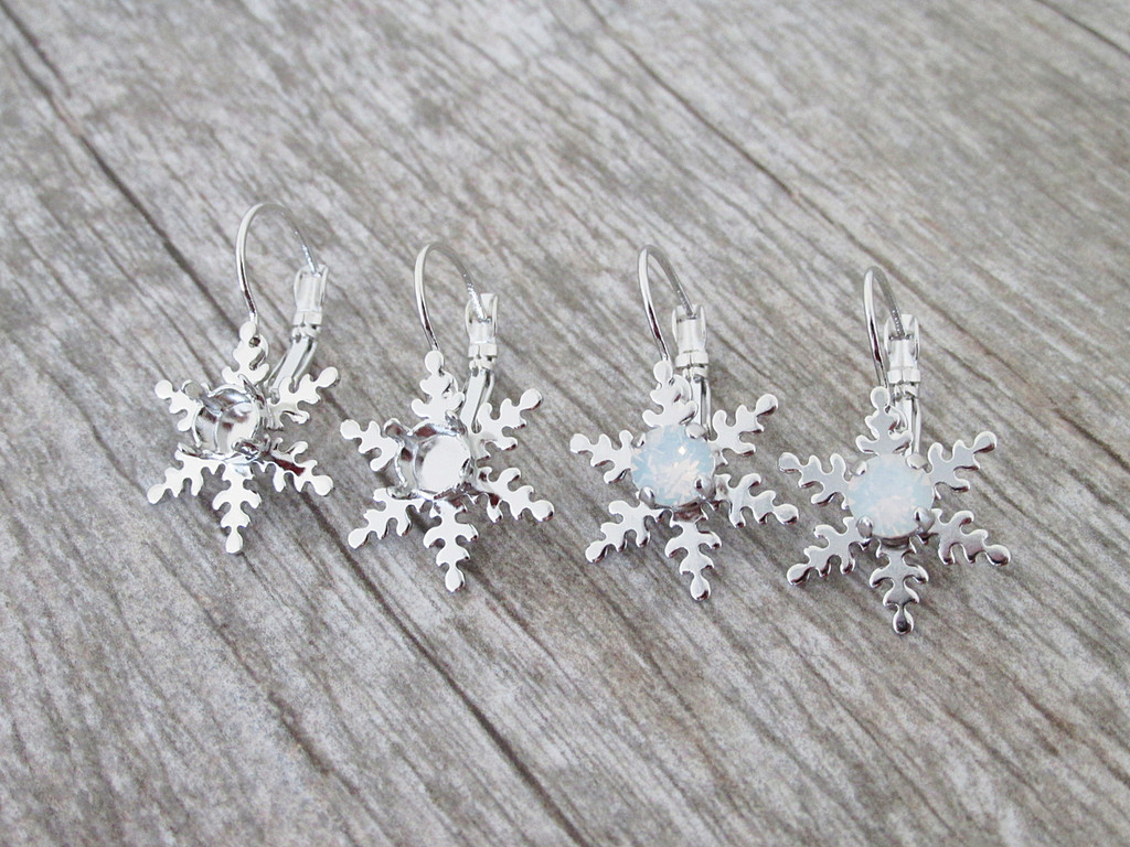 6mm (29ss) Snowflake Lever Back Earrings