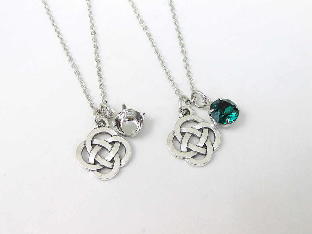 8.5mm | Celtic Knot Charm Necklace | One Piece