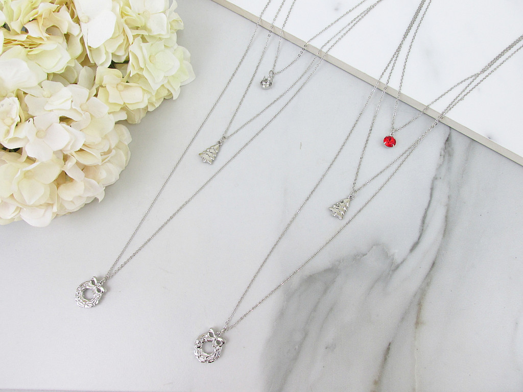 8.5mm | Layered Christmas Wreath Charm Necklace | One Piece