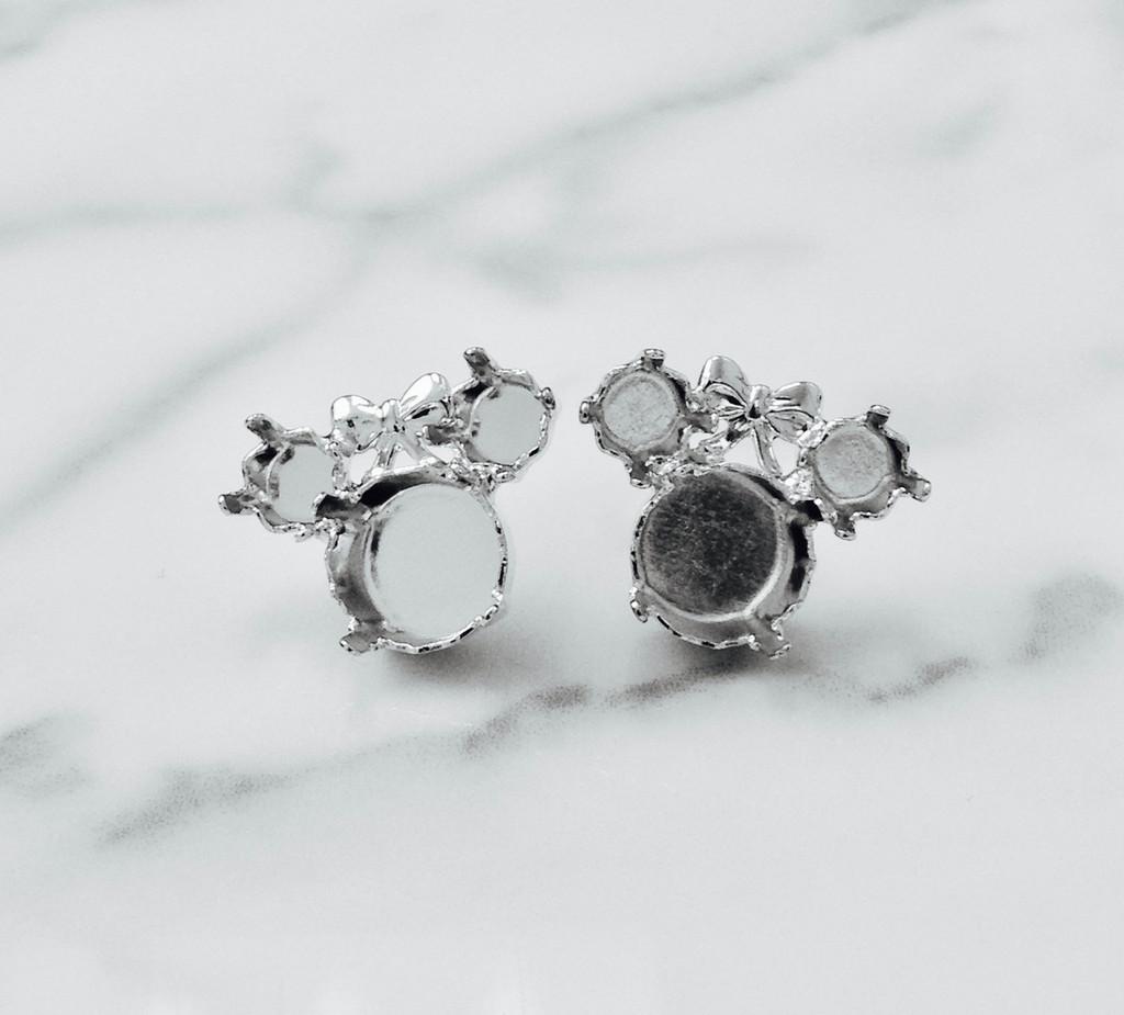 6mm & 8.5mm | Girl Mouse Stud Earrings