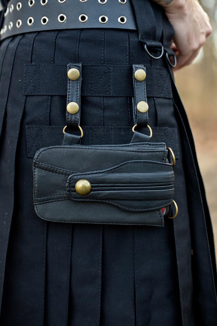 Leather Versatta Phone Pocket attached to a black Versatta V-Cargo Kilt.