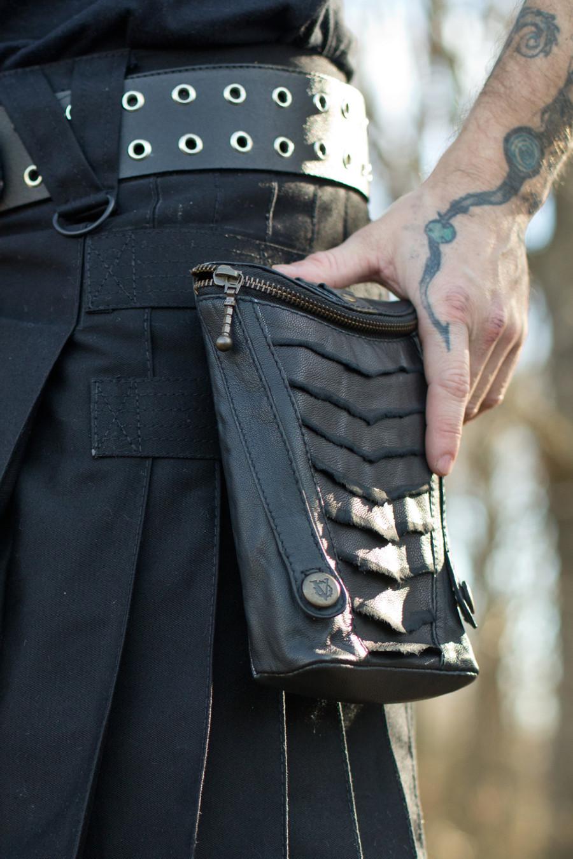 Leather XL Cargo Pocket V2 on a black Versatta V-Cargo Kilt.